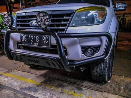 Ford Everest BUMPER DEPAN NUDGE BAR WILD FOREST FORD EVEREST TAS4X4 2 bumper_depan_nudge_bar_wild_forest_ford_everest_tas4x4_1